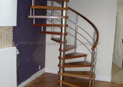 Escada Caracol Madeira com inox