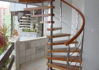 Escada Caracol inox 304 e Madeira Cumaru - apto Praia