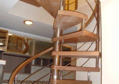 Escada Caracol madeira jequitiba e inox