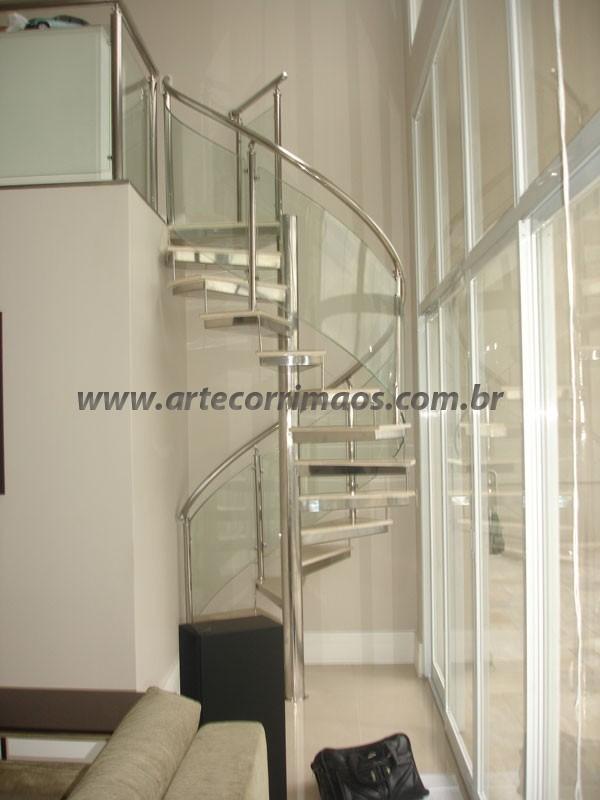Escada Caracol Vidro e Inox
