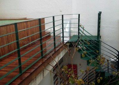 Escada e guarda corpo em ferro