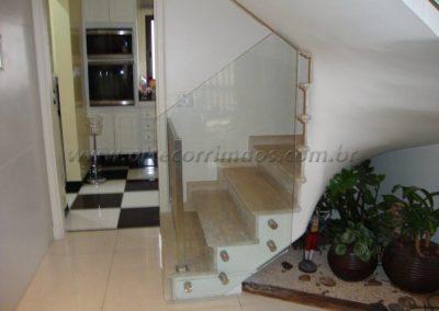 Guarda Corpo com portão de inox e vidro 6+6 laminado e temperado