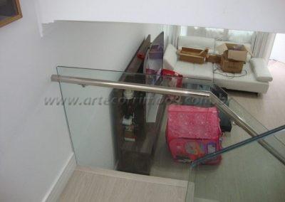 Guarda Corpo de vidro 6+6 laminado e temperado com botão deaço inox e corrimão de inox no vidro