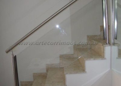 Guarda corpo de inox escovado com vidro cristal