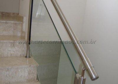 Guarda corpo de inox escovado de vidro
