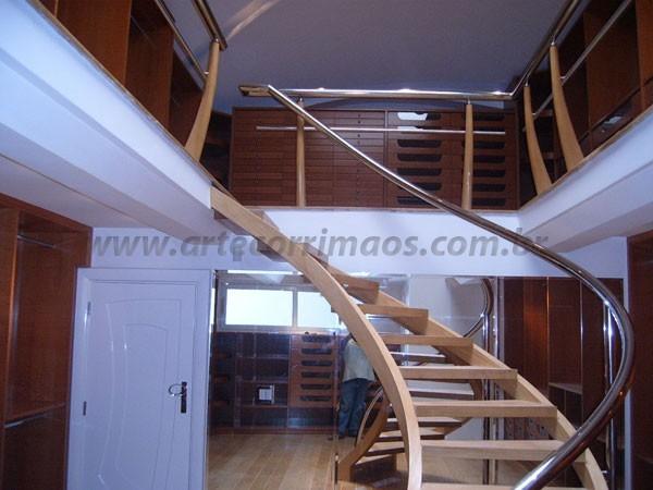 Escada Curva com Inox