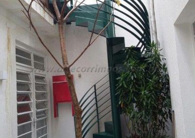 escada caracol ferro verde