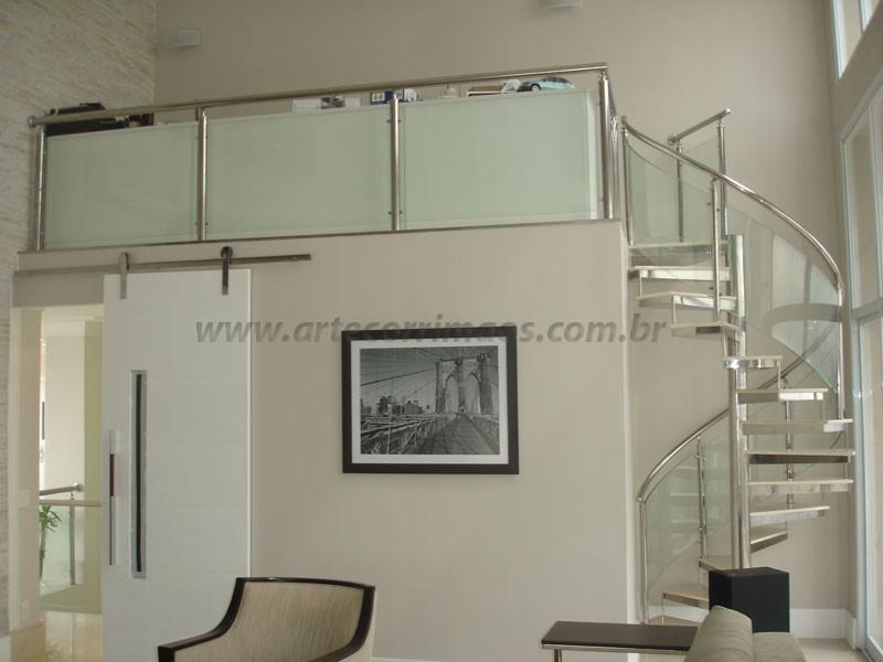 Corrimão com Vidro curvo escada