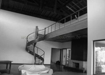 Escada Helicoidal Madeira