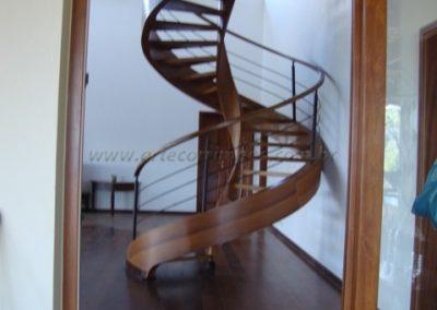 Escada Helicoidal de Madeira Cumaru