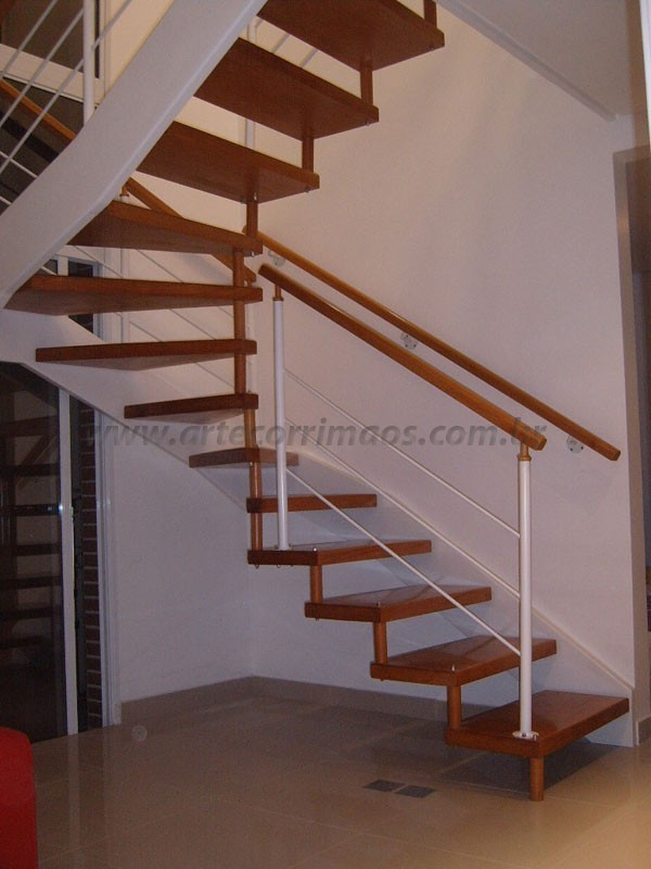 Escada Corrimão Madeira