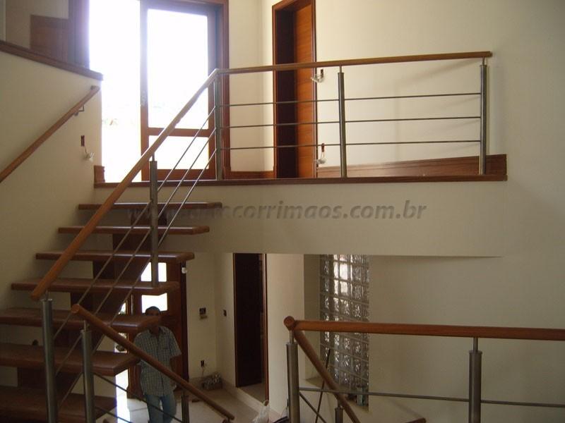 Escada Madeira Corrimao inox aço