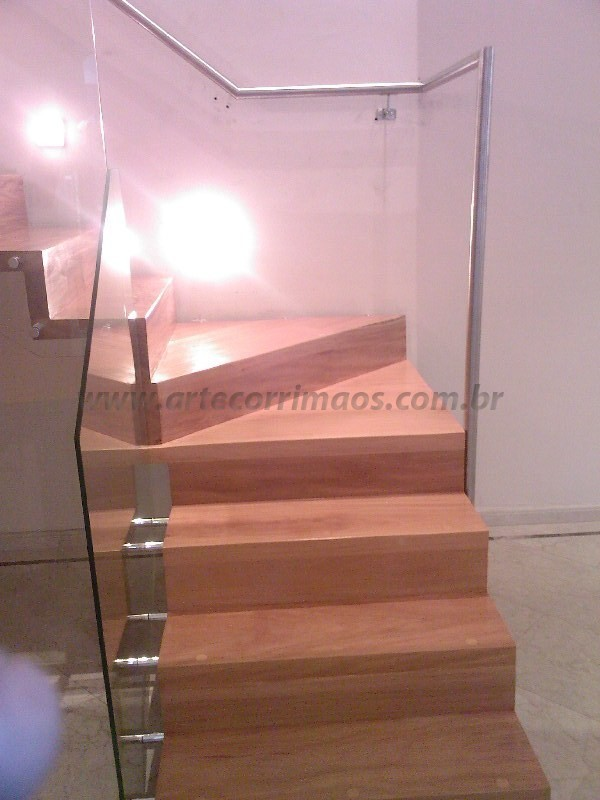 Escada Madeira Guarda Corpo Vidro