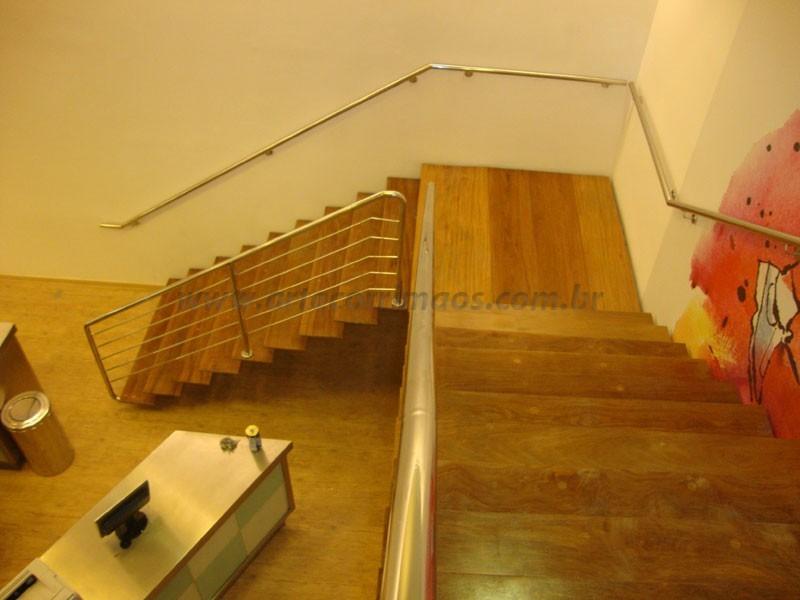 Escada d madeira corrimao inox