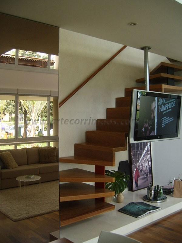Escada e Corrimao Madeira