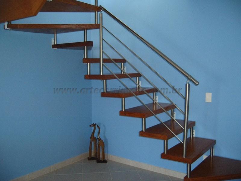 corrimao aço inox e Escada madeira