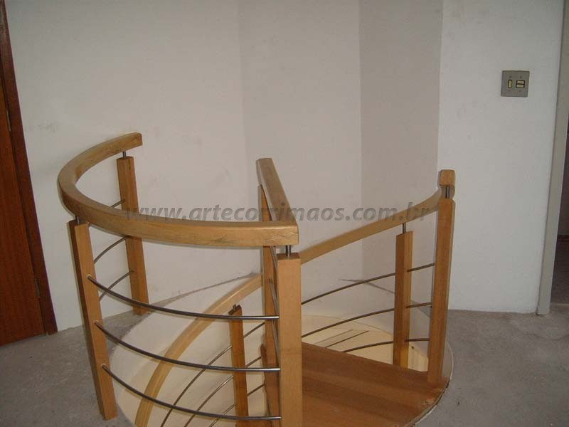corrimao para escada madeira