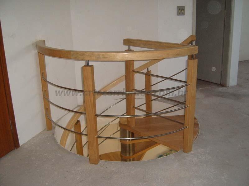 corrimao para escada de madeira