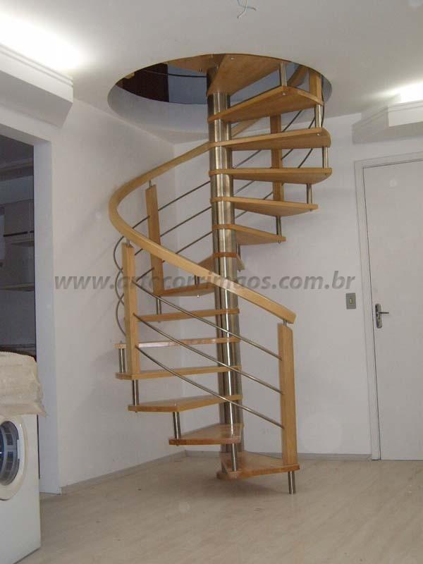 escada madeira e inox curvo