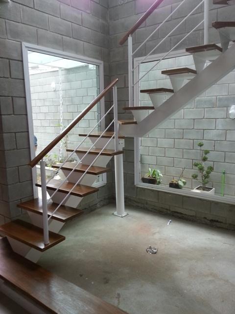 Corrimão e escada madeira