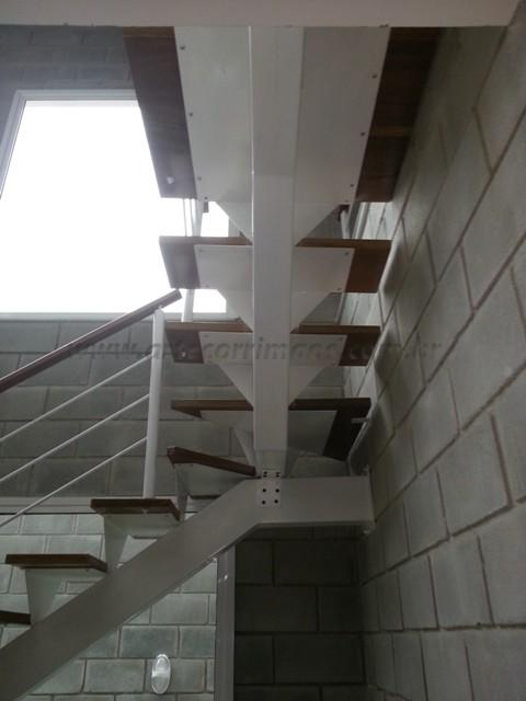 Corrimãos e escada madeira