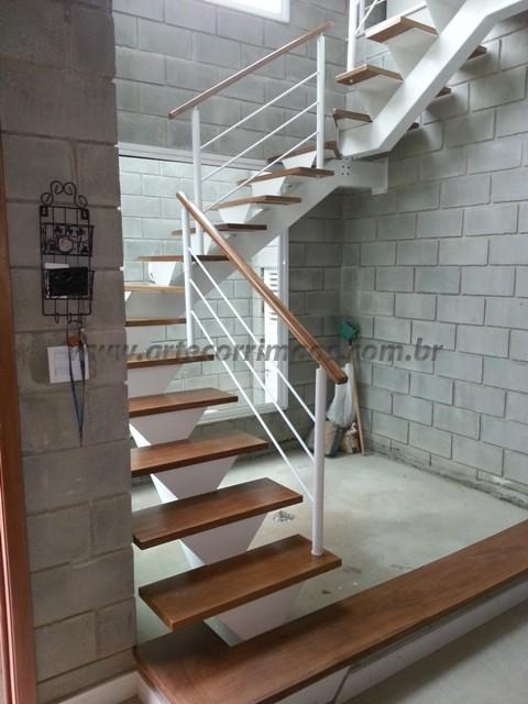 Corrimao e escada madeira