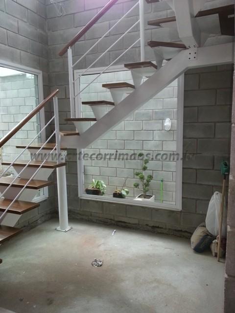Corrimao escada madeira