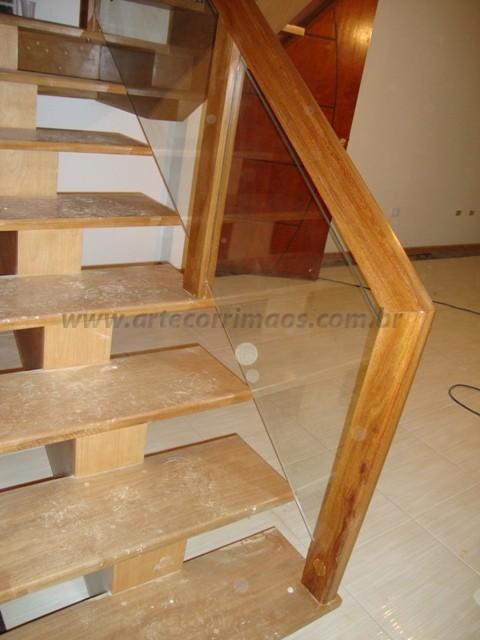 Corrimaos para escada de madeira