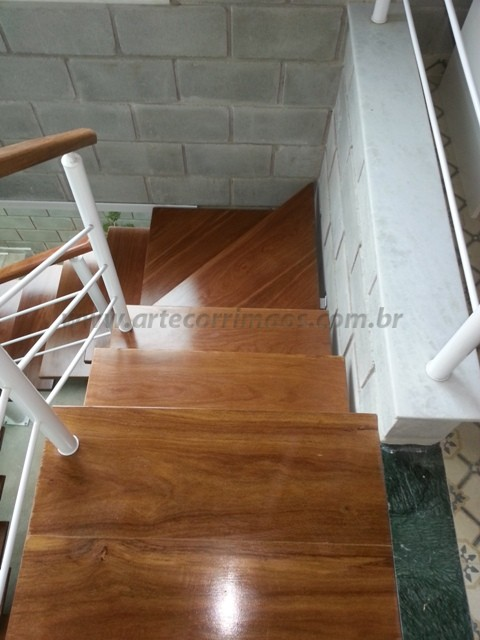 Corrimaos escada madeira
