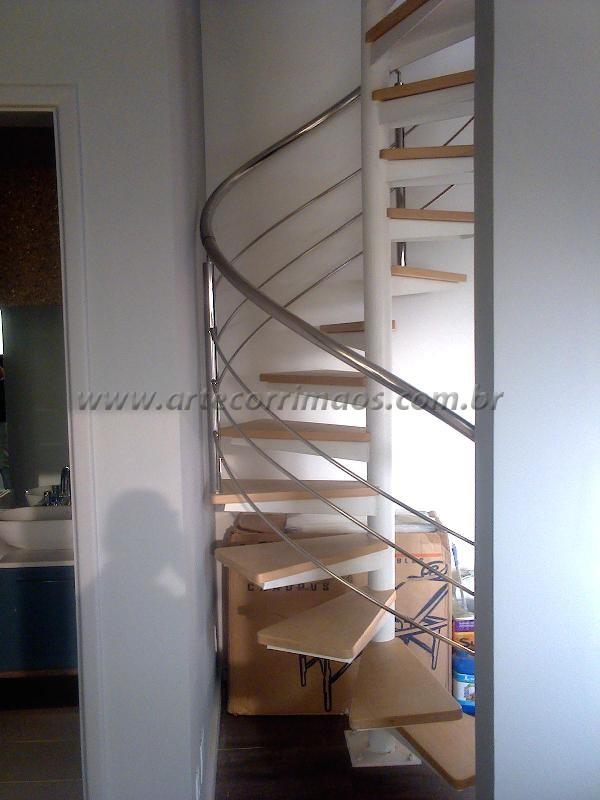 Revestimento da Escada Caracol e Guarda Corpo em inox-K