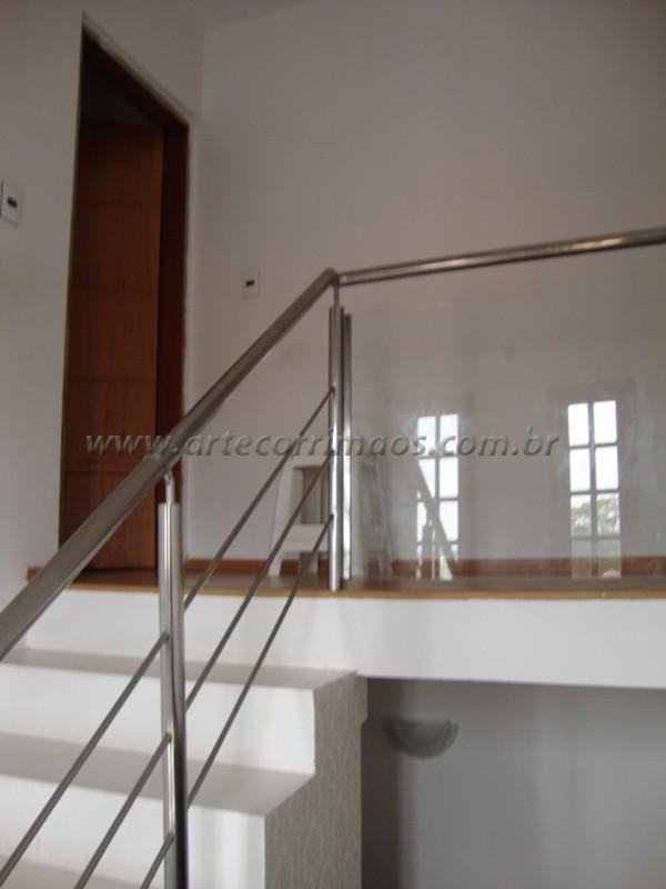 Amado Corrimão em Vidro - Arte Corrimãos e Escadas AJ61