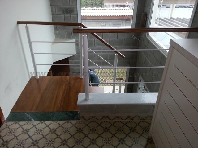 corrimao e escada ferro madeira