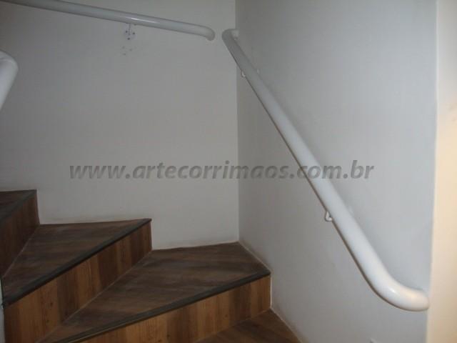 corrimao ferro na escada