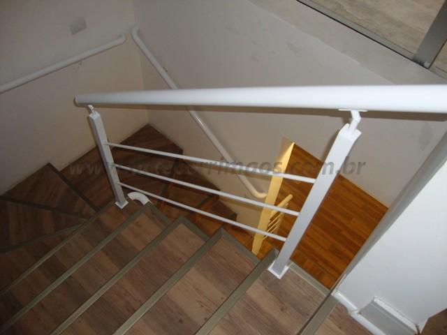 corrimao para escada ferro