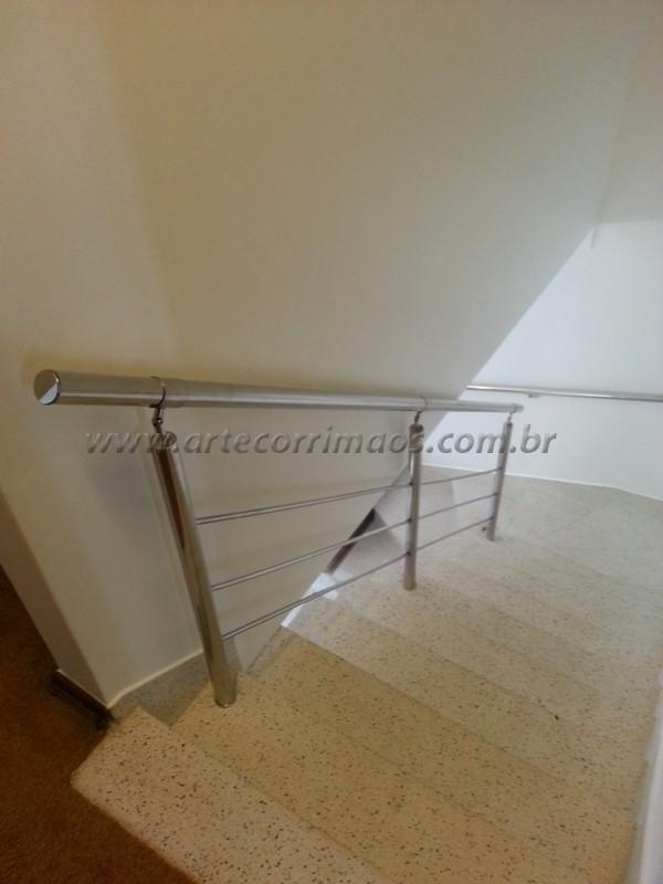 corrimaos de inox fixo na escada