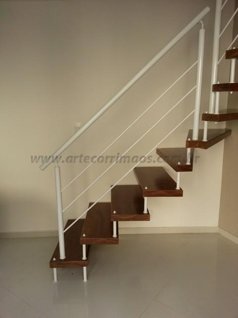 escada madeira corrimaos ferro