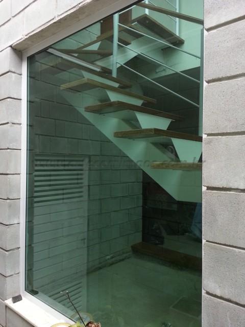 escada madeira interna