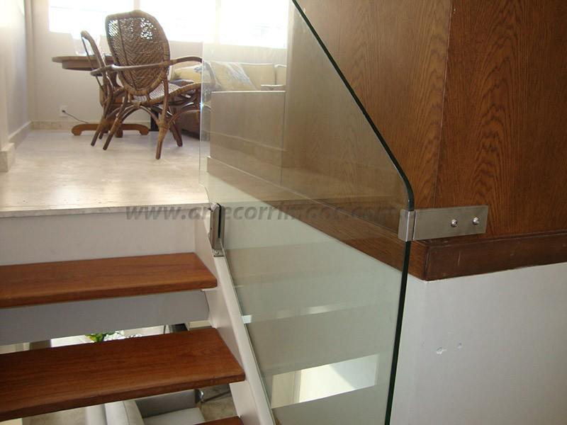 corrimao vidro detalhe