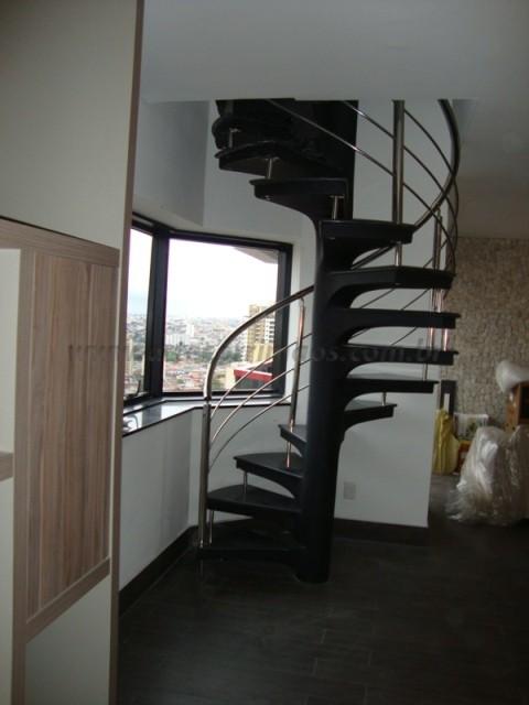 corrimao de aço inox em escada caracol