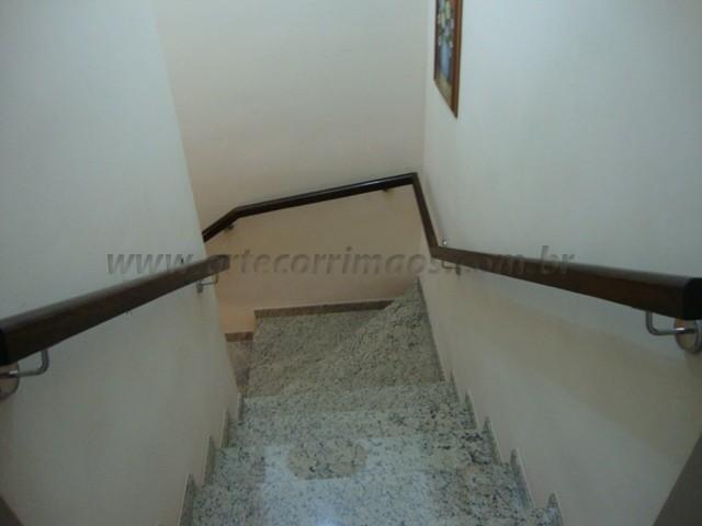 corrimaos de escada de madeira