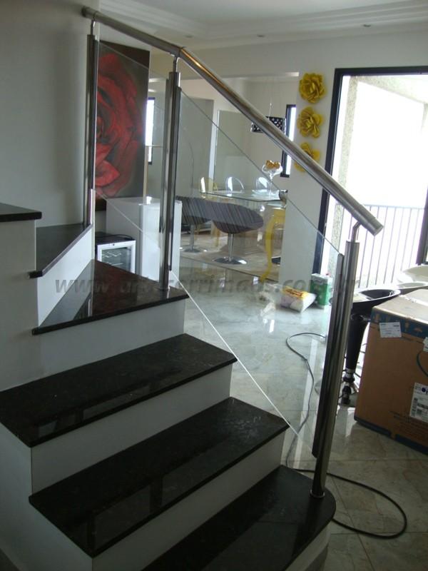 corrimão aço inox escovado e vidro