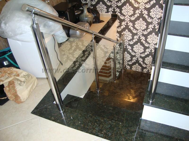 corrimão de escada aço inox e vidro