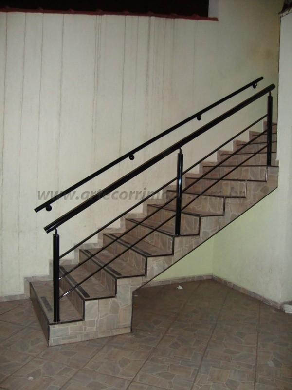 corrimão e escada preto
