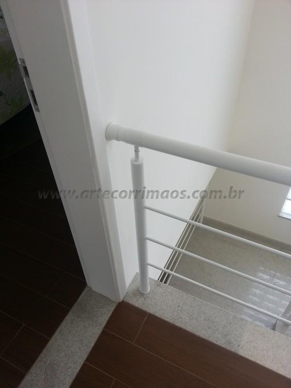 corrimão ferro escada