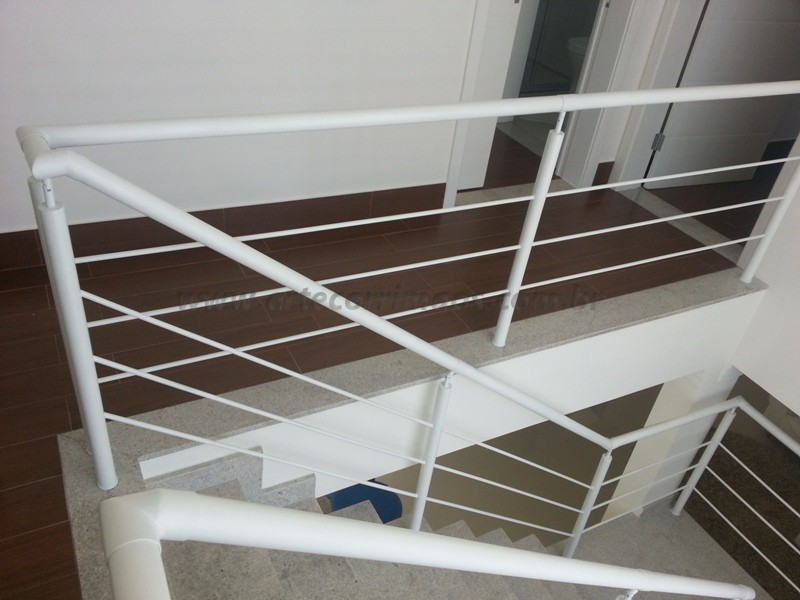 corrimão para escada ferro branco