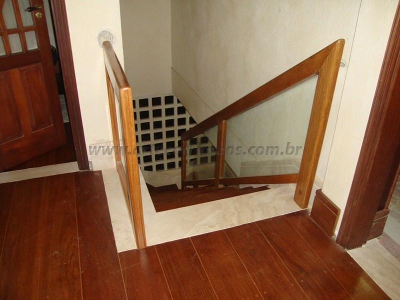 corrimao madeira com vidro
