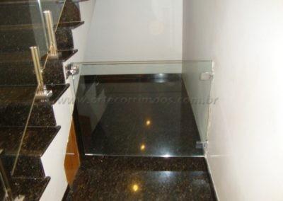 Portão escada em vidro