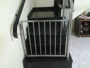 Portãozinho de INOX aço