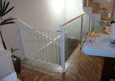 Portãoznho de Aluminio escada