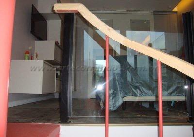 Corrimão de Madeira na Escada caracol